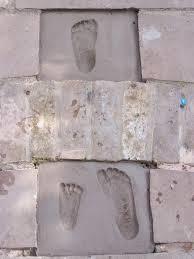 footprints he wants